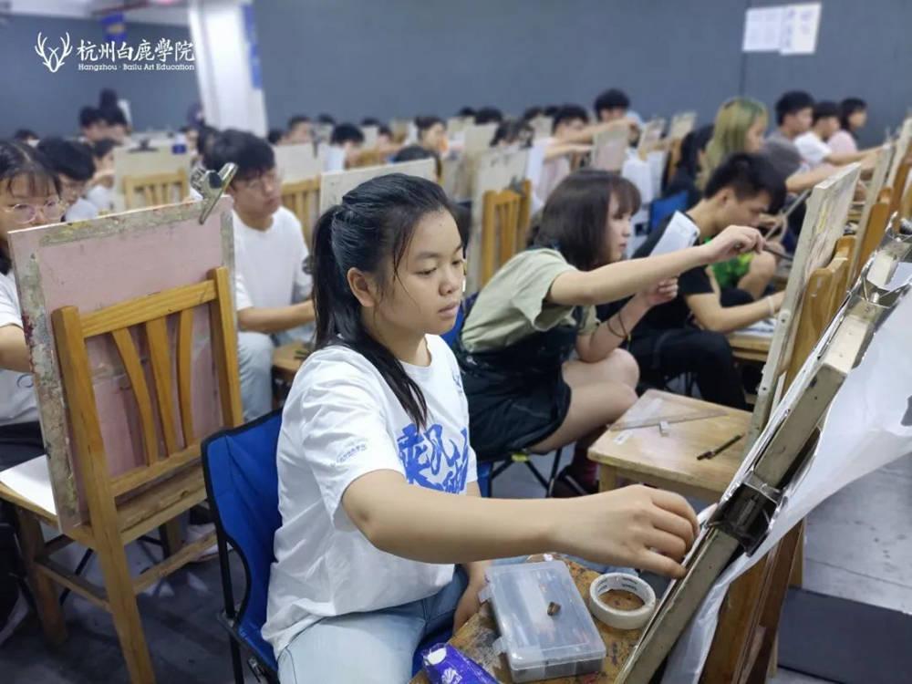 来吧,展示!杭州艺考画室白鹿八月月考进行中,10