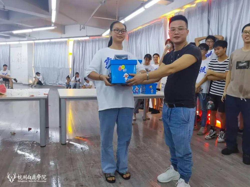 暑期杭州艺考画室关键词,21