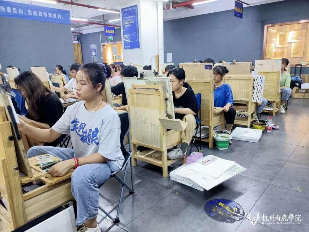 来吧,展示!杭州艺考画室白鹿八月月考进行中,12