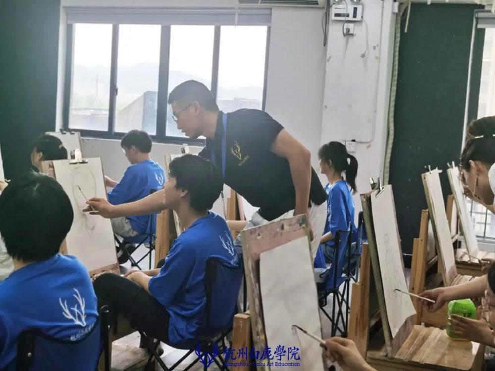 杭州白鹿日常 | 你说艺考美术生考大学很容易?你来试一试,46
