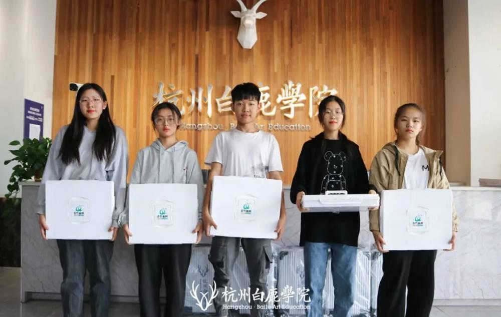 杭州美术培训班白鹿写生季 | 王者小组已诞生?确实有两把刷子,14