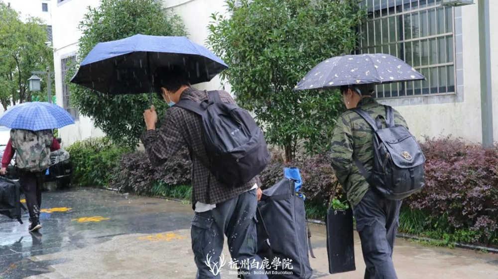 杭州艺考画室白鹿写生季 | 画画的Baby们安全抵达写生地啦,19