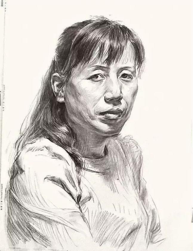 杭州艺考画室素描教学|教你画正面微侧的长发女中年肖像,06