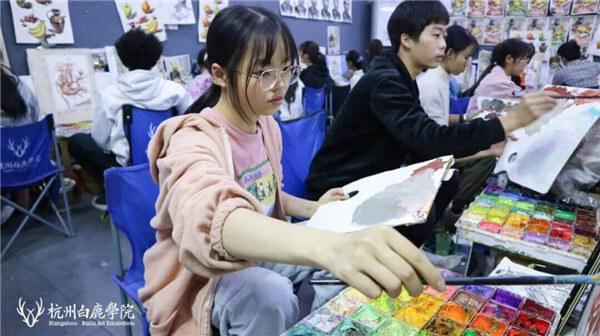 杭州美术培训班白鹿有约 | 明秋雨:她小小的身体竟然蕴藏如此强大的能量,02