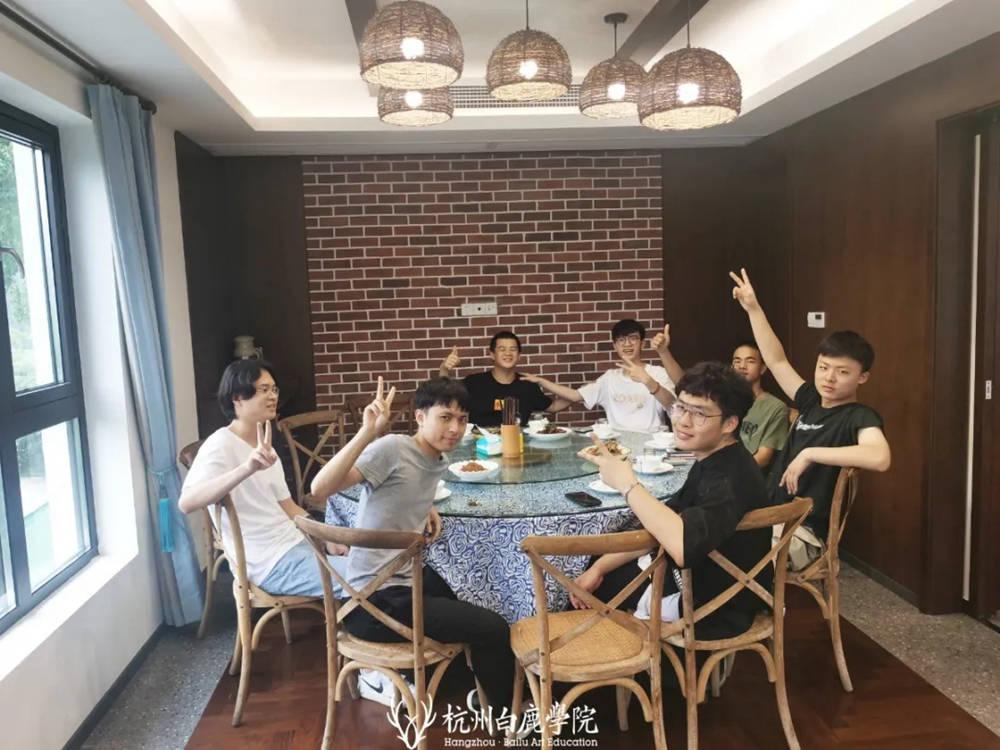 杭州画室,杭州艺考画室,杭州美术培训画室,21