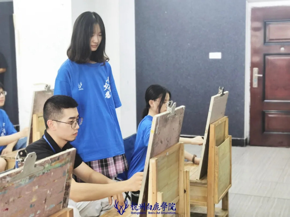 杭州白鹿日常 | 你说艺考美术生考大学很容易?你来试一试,45