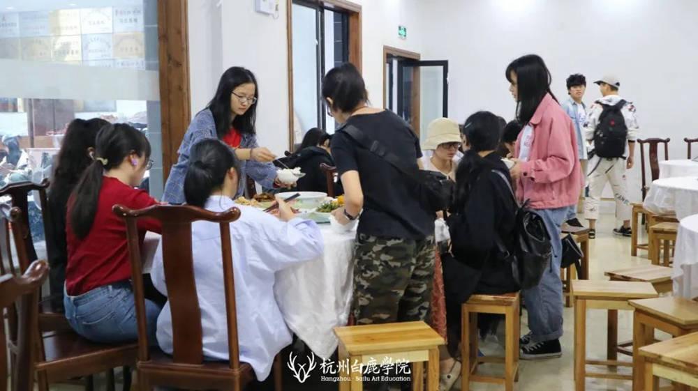 杭州艺考画室白鹿写生季 | 画画的Baby们安全抵达写生地啦,21