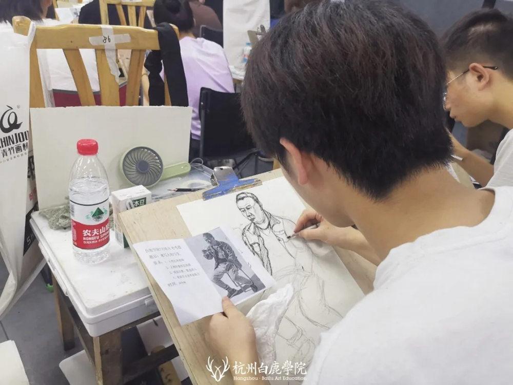 杭州艺考画室日常 | 你说美术生考大学很容易?要不你来试一试,28