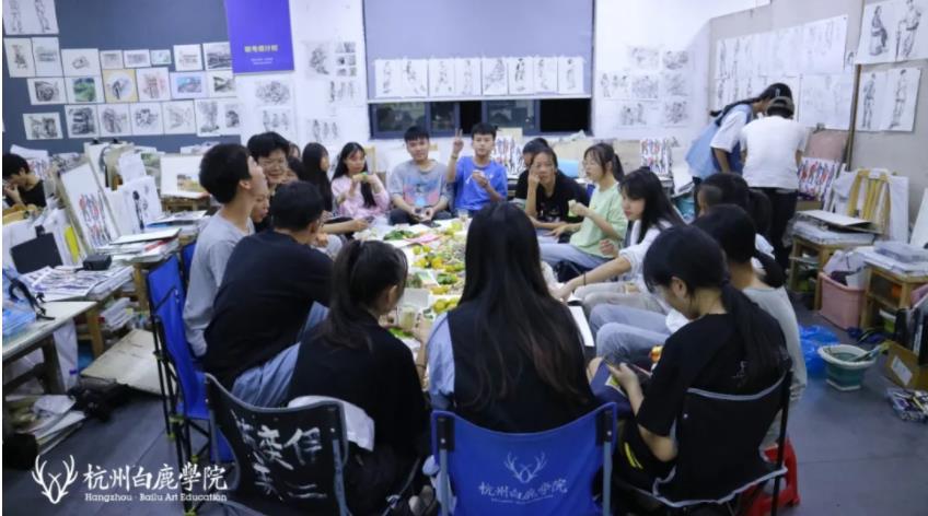 这个双节,杭州艺考画室白鹿学院陪你们过,21