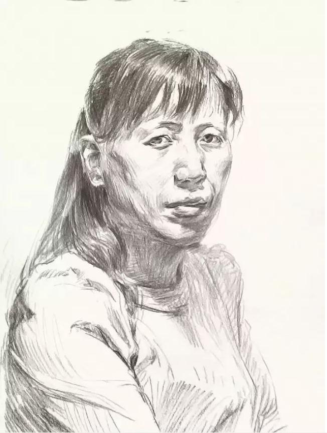 杭州艺考画室素描教学|教你画正面微侧的长发女中年肖像,05