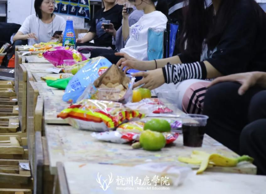 这个双节,杭州艺考画室白鹿学院陪你们过,07