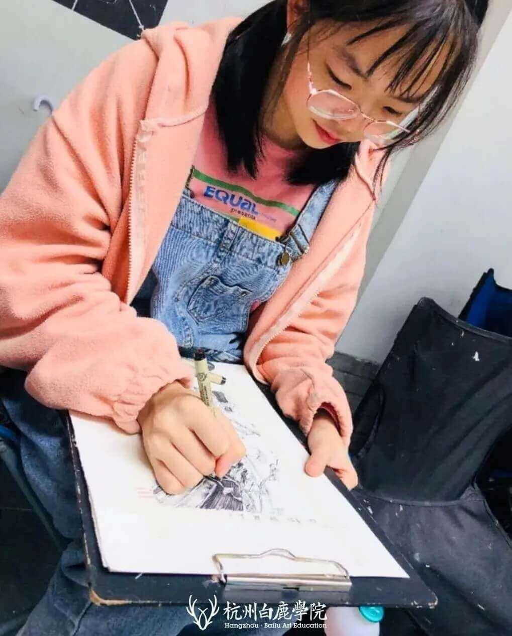 杭州美术培训班白鹿有约   明秋雨:她小小的身体竟然蕴藏如此强大的能量,09