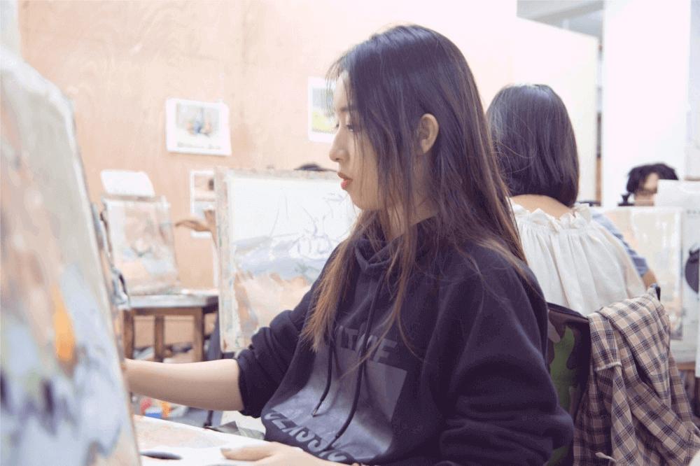 杭州画室,杭州美术培训,杭州艺考培训,杭州白鹿学院画室环境