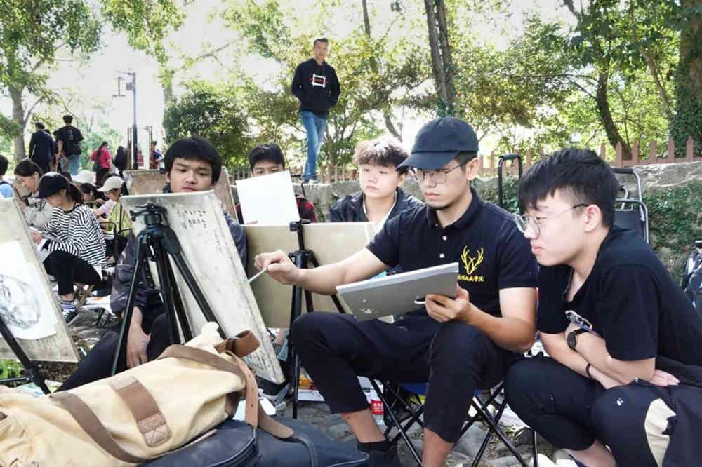 杭州艺考画室写生季 | 杭州白鹿学院下乡写生通知及注意事项,28
