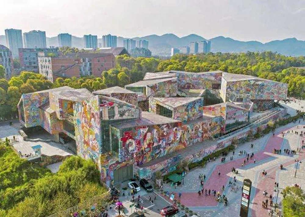 这几个途径,或许是走向重点大学和美术实力派大学的小捷径! 杭州艺考画室建议收藏,01