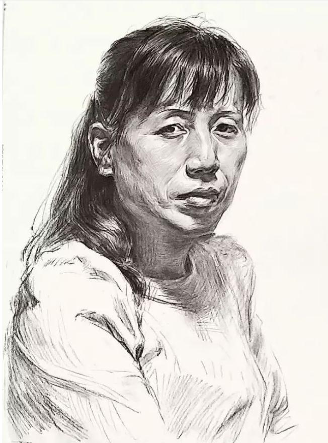 杭州艺考画室素描教学|教你画正面微侧的长发女中年肖像,07