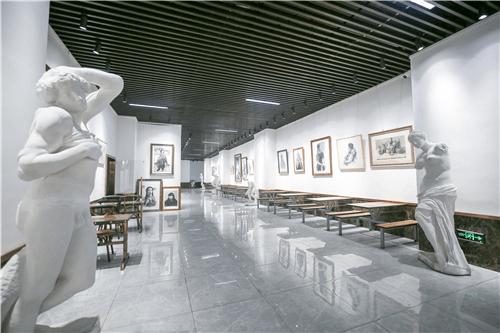 杭州画室,杭州美术培训,杭州艺考培训,杭州白鹿学院大厅环境